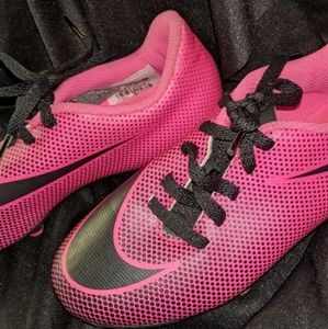 Girls Nike Kleets